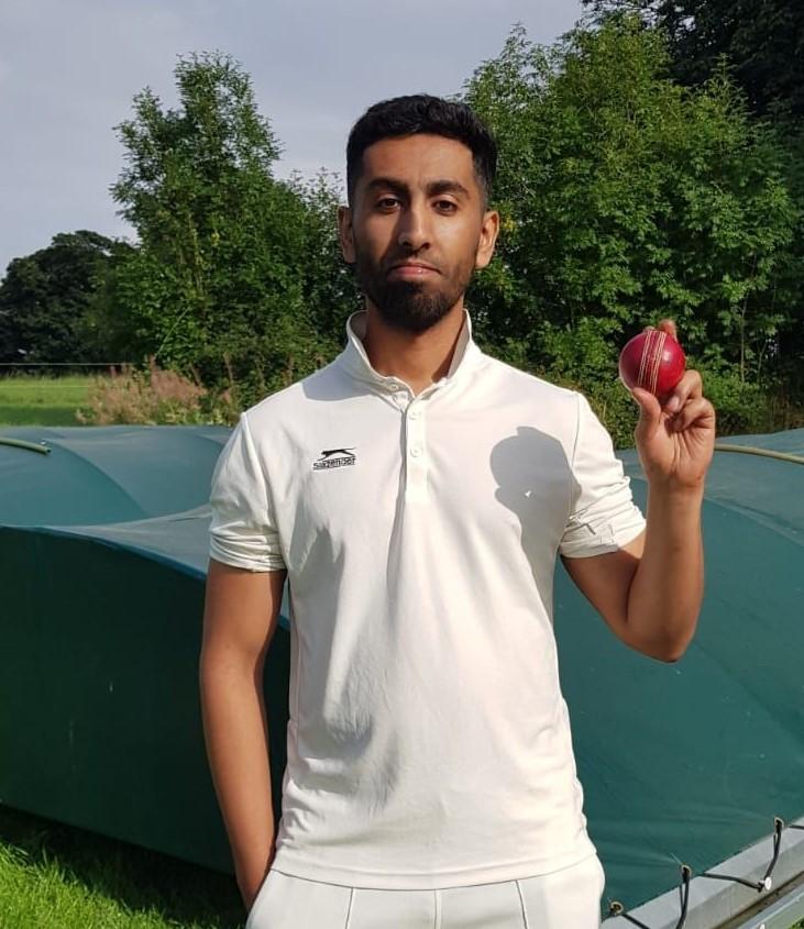 Shahbaz Ishaq Heaton Park 4 for 14 runs