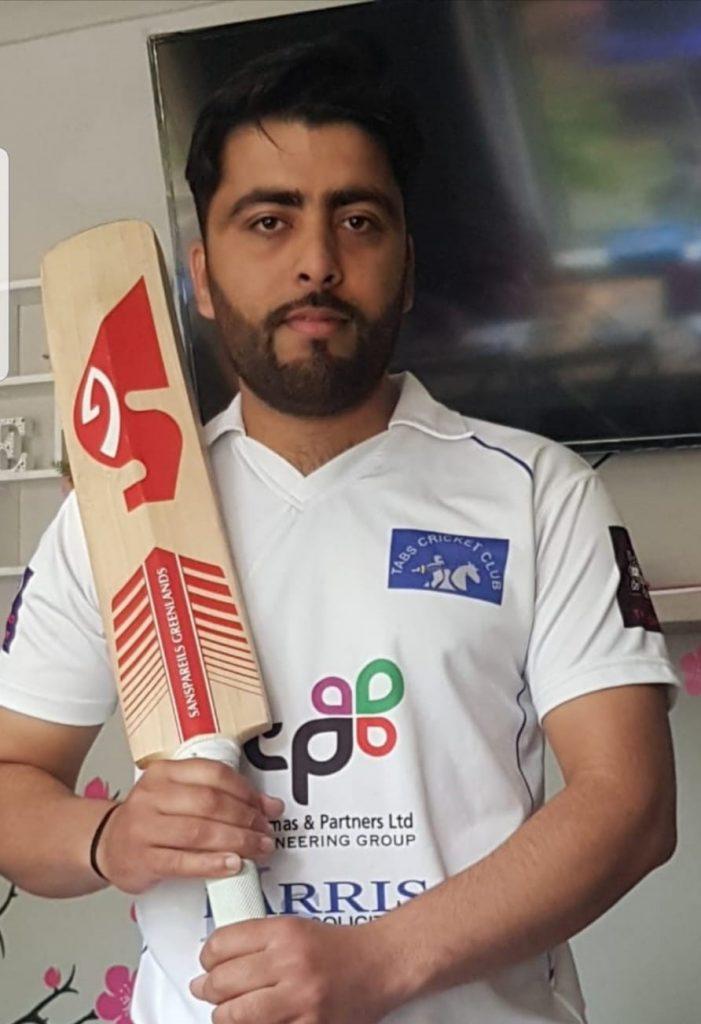 Zahid Khan Tabs A 4 for 22